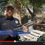 Jake Kreamer, Nevada Game Warden, explains why he uses a Pneu-Dart projector for bighorn immobilization.